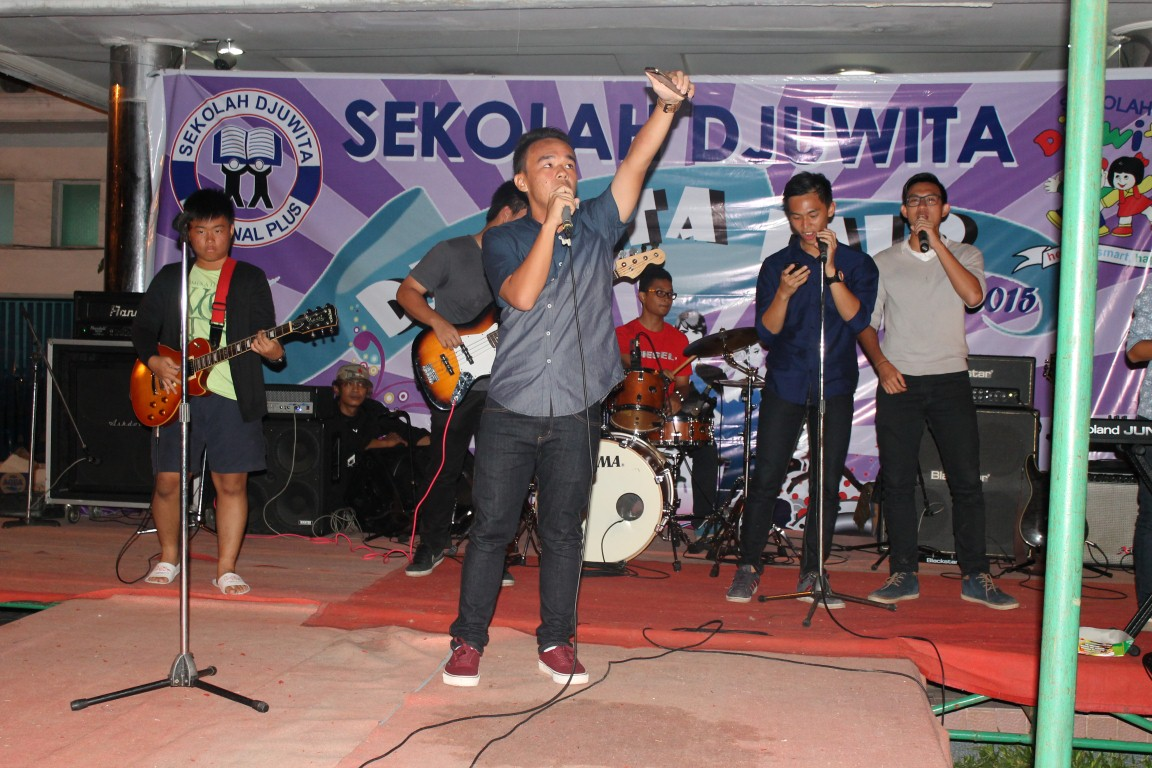 backdrop-djuwita-fair-rev-1-medium